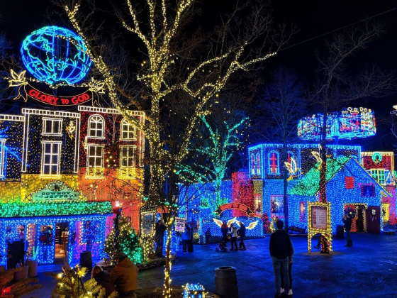 James Carlton: The Sights and Sounds of Christmas at Silver Dollar City